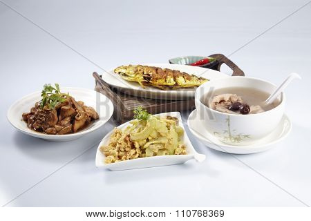 turmeric fish,stir fried bitter gourd , lotus root soup and soy sauce chicken