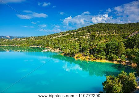 V The most spectacular in  French Alps - Verdon Canyon.  Spring Provence. Azure water reflects the clouds