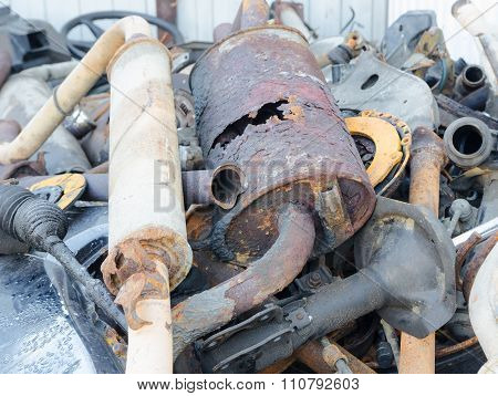 Useless, worn out rusty exhaust clutch brake discs and other