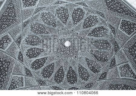 Tomb of Hafez ceiling black and white