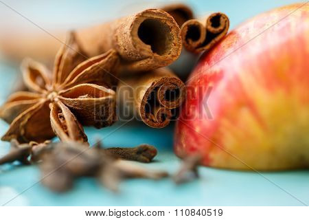 Apple, Cloves And Cinnamon (apple Pie Ingredients)