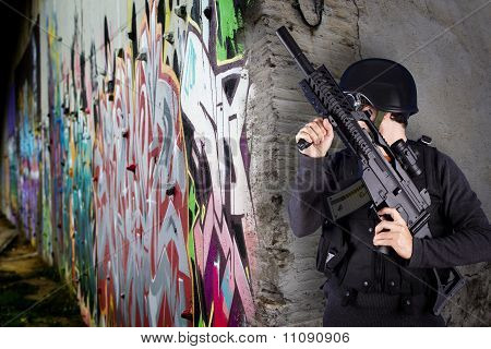 Street Assault , Riot Police