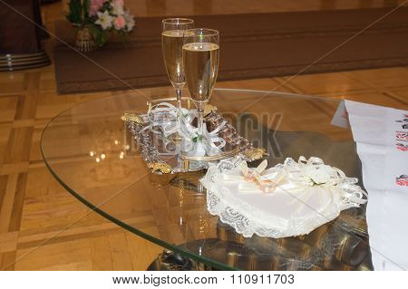 Table for wedding ceremony on-site caravans towel beautiful glasses of champagne