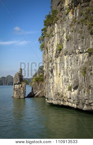 Vertical image of limestone rocks in Vietnam
