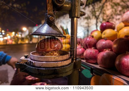 Making A Pomegranate Juice