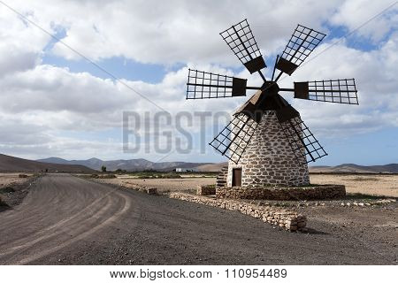 Windmill With Six Vanes