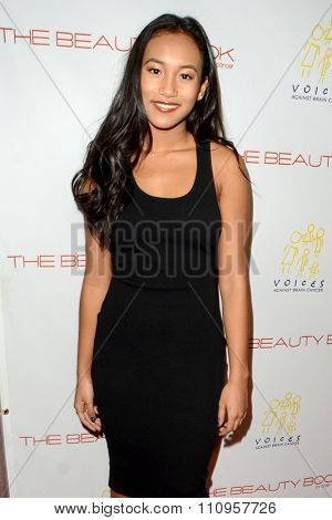 LOS ANGELES - DEC 3:  Sydney Park at the The Beauty Book For Brain Cancer Edition Two Launch Party at the Le Jardin on December 3, 2015 in Los Angeles, CA