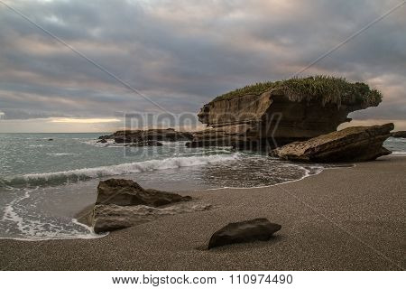 Dramatic coastal Truman track Punakaiki Paparoa National Park New Zealand