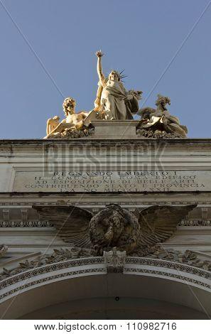 Statues On The Top Of Palazzo Delle Esposizioni In Rome