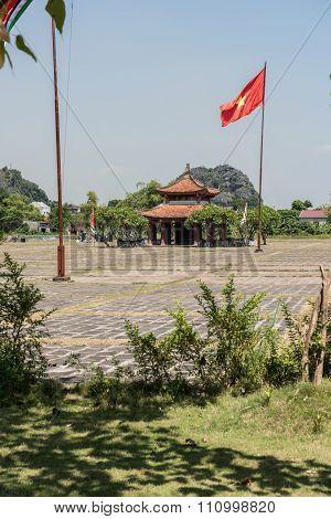 Ly Cong Uan Memorial