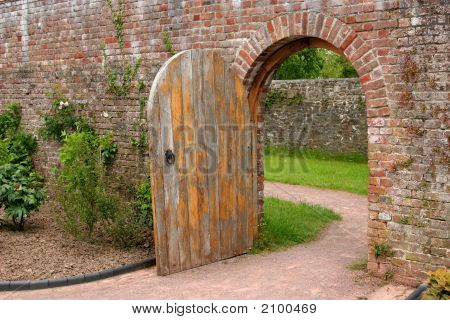 The Old Oak Door