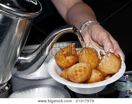 Loukoumades, eine Version der Donut-Kugeln