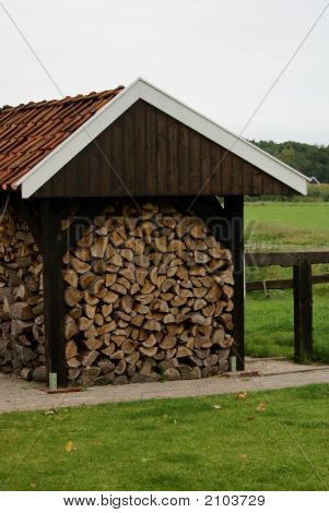 Wood-Shed.