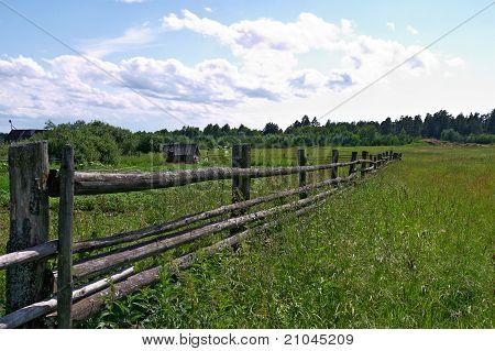 alte Holzzaun in ländlichen Gegend