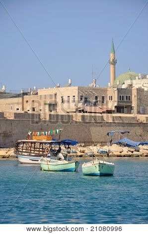 Kind on old Akko from the sea