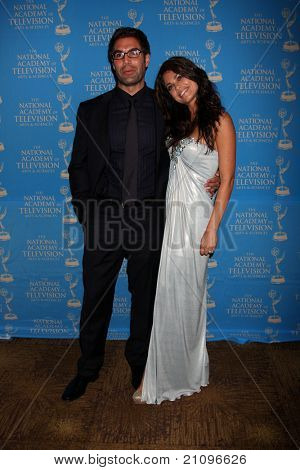 LOS ANGELES - JUN 17:  Jordi Vilasuso, Lindsay Hartley in the Press Area at the 38th Annual Daytime Creative Arts Emmy Awards at the Bonaventure Hotel on June 17, 2011 in Los Angeles, CA
