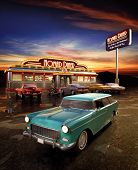 foto of diners  - A stock photo of a Retro American diner at dusk - JPG