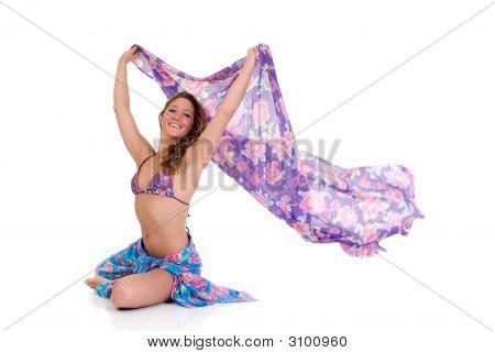 Mujer joven con Pareo