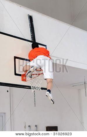 Climb on a basket