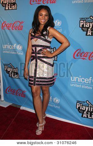 LOS ANGELES - MAR 15:  Regina Hall arrives at the