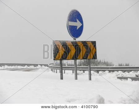 Direction Sign - Winter