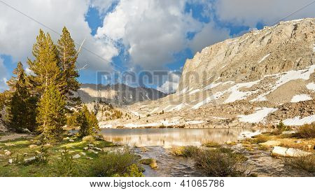 Sierra Nevada Lake Scenery