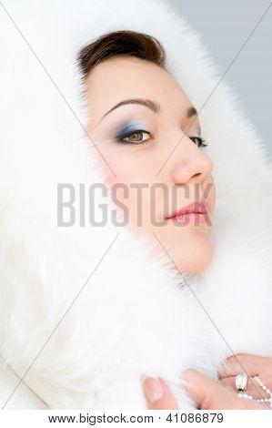 Chica de piel blanca