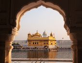 picture of punjabi  - Amritsar Golden Temple  - JPG