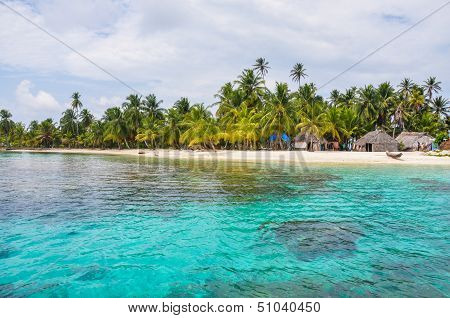 Perfect Native Caribbean Village On Crystal Clear Island. San Blas, Panama. Central America. Latin A