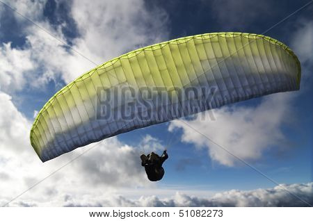 Paragliding as extreme and fun sport
