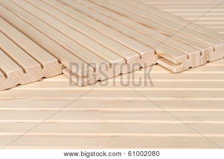 Pine floorboards - sound insulation