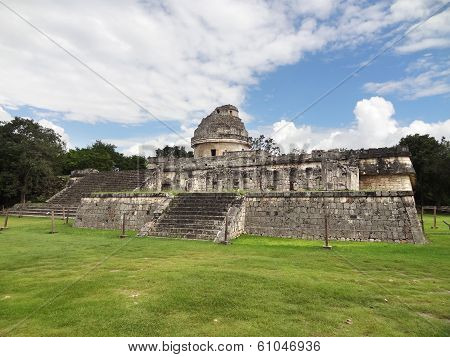 El Caracol Observatory Temple In Chichen Itza