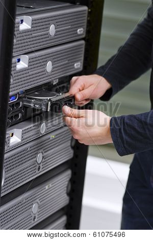IT Consultant Install a Harddrive in Server