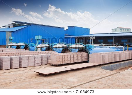 bricks output in warehouse