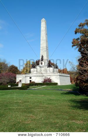 Lincoln's Tomb 2