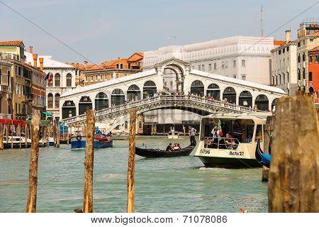 Tourists On The Rialto Bridge In Venice, Italy