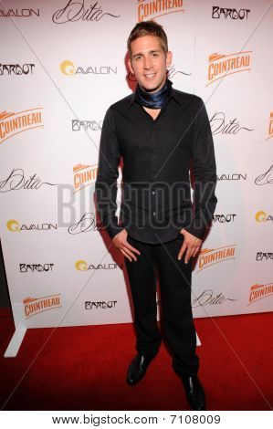 Eric Szmanda on the red carpet.