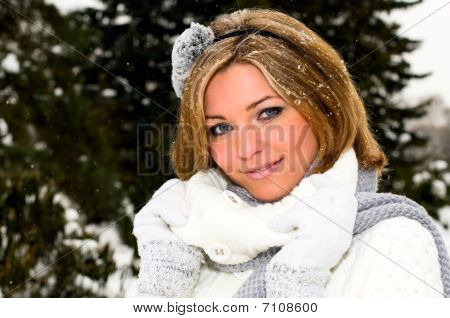 girl and snow