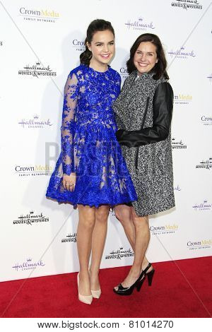 LOS ANGELES - JAN 8: Bailee Madison, her mother Patricia Riley at the TCA Winter 2015 Event For Hallmark Channel and Hallmark Movies & Mysteries at Tournament House on January 8, 2015 in Pasadena, CA