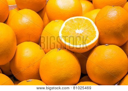 Fresh oranges for sale