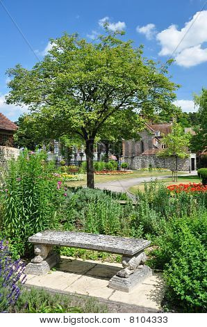 Traditional English Garden Style Park In Winchester Uk