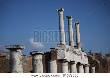 Pompei Roman Forum, columns detail