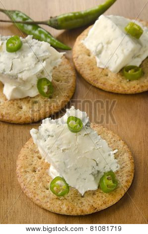 Cracker With Gorgonzola And Green Chili