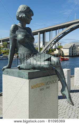 Exterior of the sculpture of Marilyn Monroe in Haugesund, Norway.