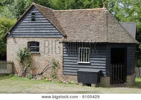 Workmans Hut. Guildford. Surrey.