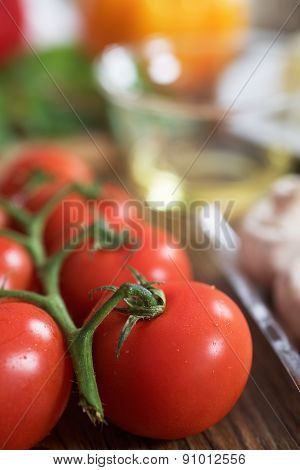 Cherry tomatoes and mushroom for pizza