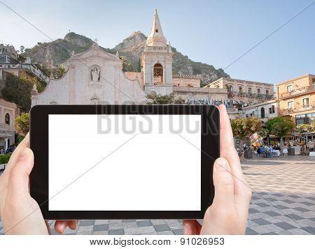 Tourist Photographs Piazza Ix Aprile In Taormina