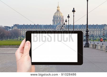 Tourist Photographs Hotel Des Invalides In Paris