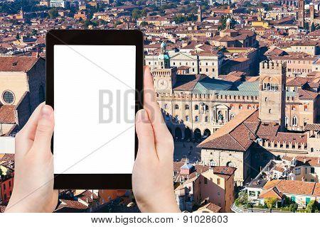 Tourist Photographs Of Piazza Maggiore In Bologna