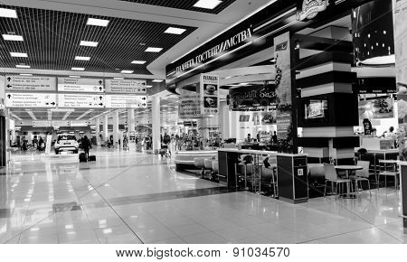 MOSCOW - MARCH 30: Sheremetyevo airport interior on March 30, 2014 in Moscow. Sheremetyevo International Airport is one of the three major airports that serve Moscow